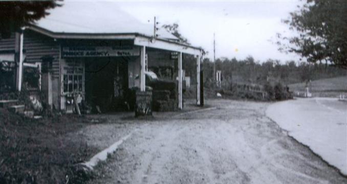 Produce Store – Moggill Rd near Marshall Lane Kenmore c 1960 (Courtesy Vi Hall)
